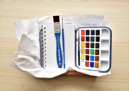 gift Idea set with watercolours Travel