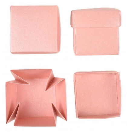 Set of 12 Pink Pearlescent Boxes 40x40x40 mm