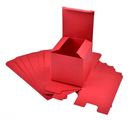 Set of 10 Red Favour Boxes 70 x 70 x 70 mm